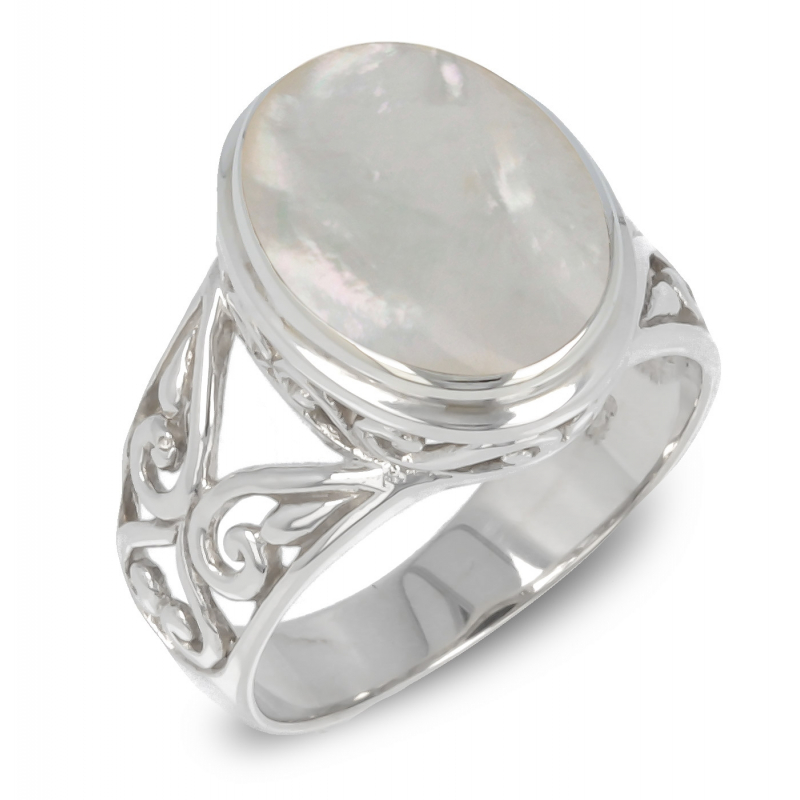 White mother-of-pearl ring set with a 925-000 silver collar and arabesques on the sides of the ring